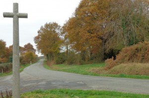 Croix de la Guioullièren route de Chatelain (2)