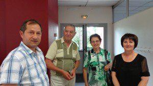 En centre, M et Mme Neveu, entouré de Joël et Evelyne Hallopeau.De l'entreprise Gruau M Neveu était intervenu sur le chantier en 1969.